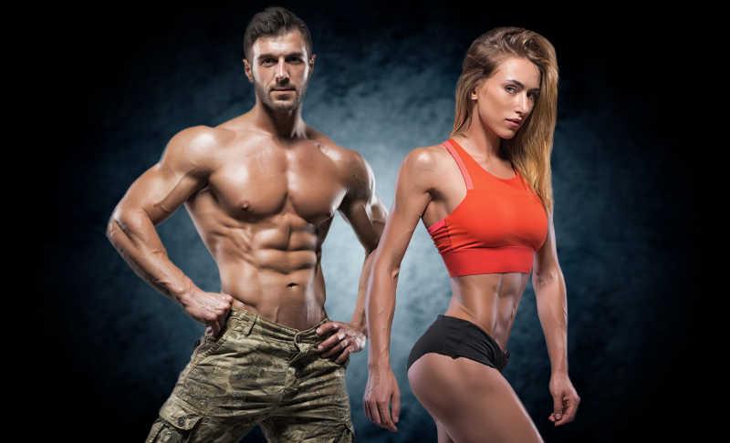在健身锻炼的夫妇