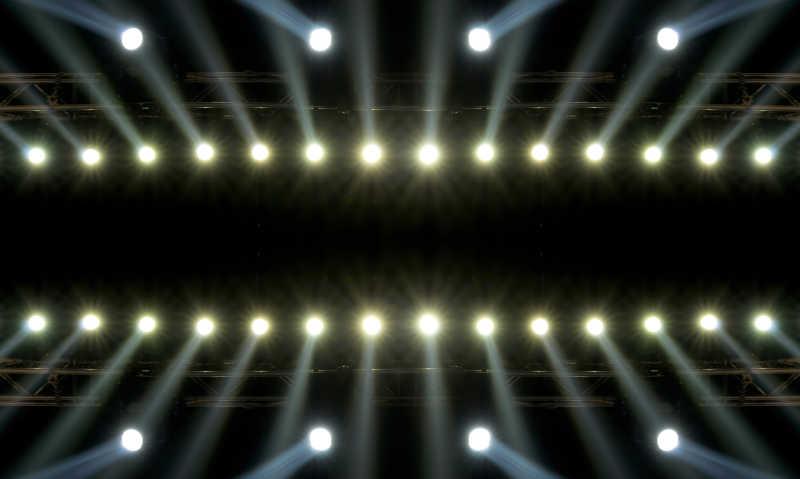 演唱会黑暗背景下聚光灯特效