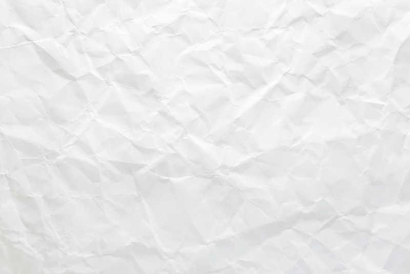 白色褶皱纹理的白纸特写