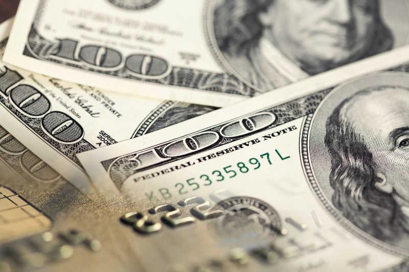 一百美元钞票特写
