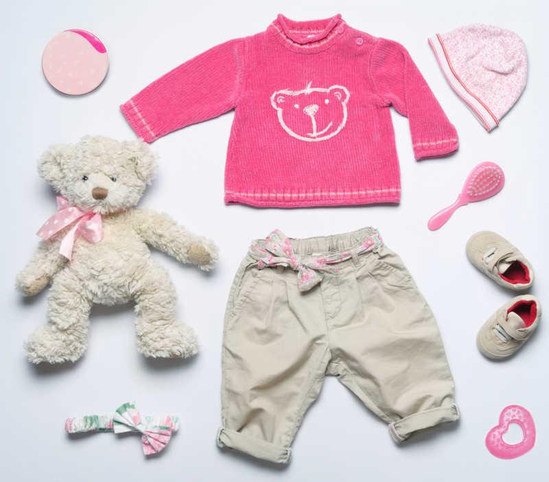 婴儿服装和玩具用品