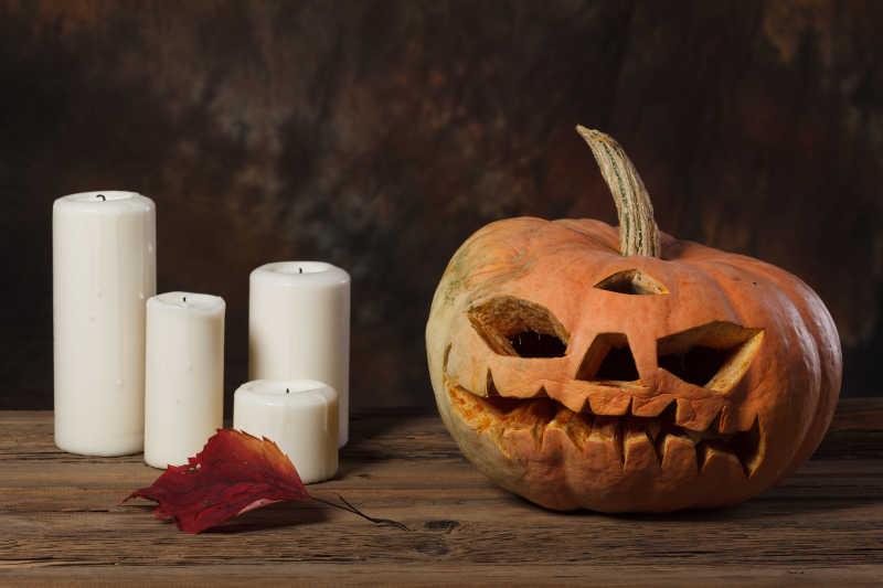万圣节的南瓜和蜡烛特写
