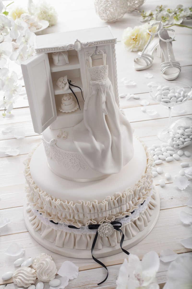 白色婚礼蛋糕