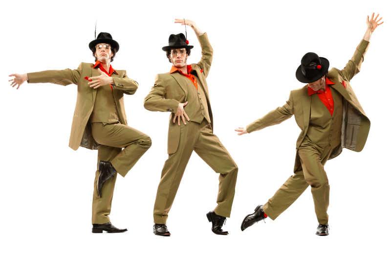 迈克在学校跳舞跳得很好的英文?