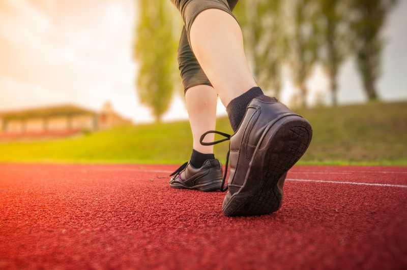 在跑步运动的人