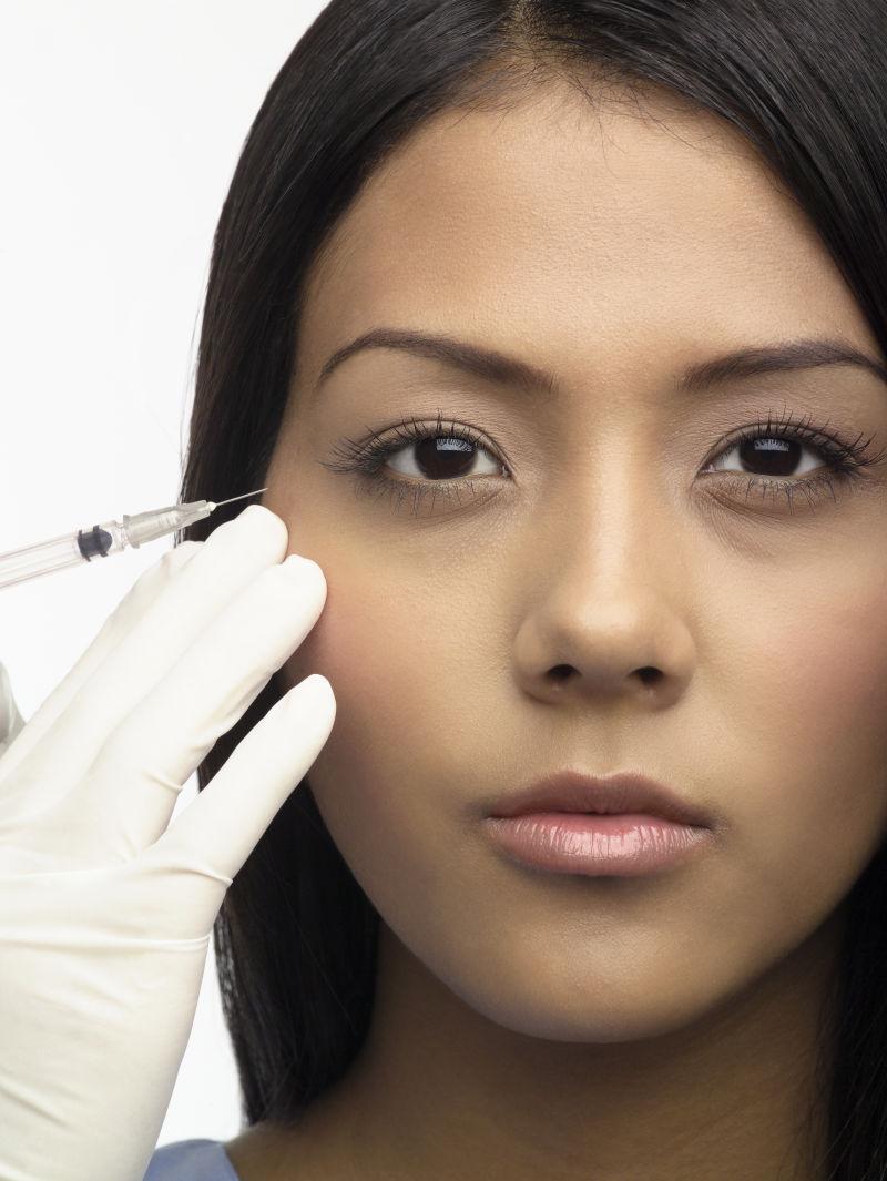 医疗美容整形眼部注射的美女