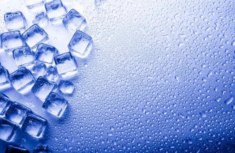 晶莹剔透冰块