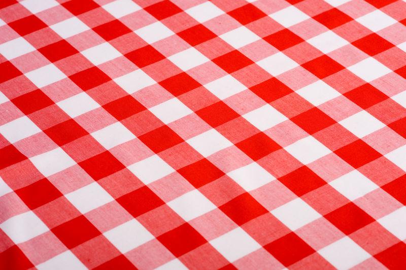 红白色格子桌布