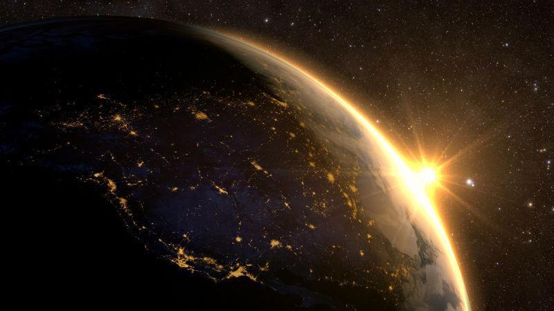太空日落时壮观的地球