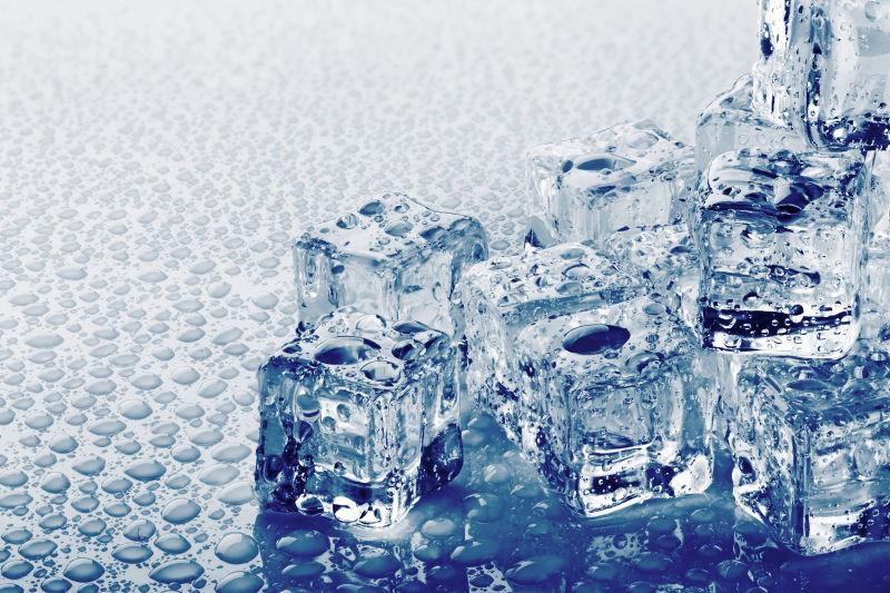水滴和冰块