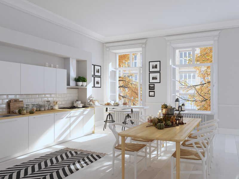 感恩节舒适屋子装饰好的餐桌