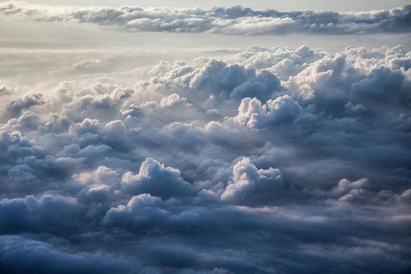 多云天气f图片_云层美景图片_云层之上的美丽天空景色素材_高清图片_摄影照片 ...