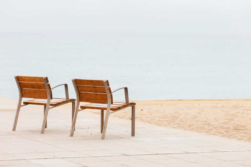 沙滩上的椅子