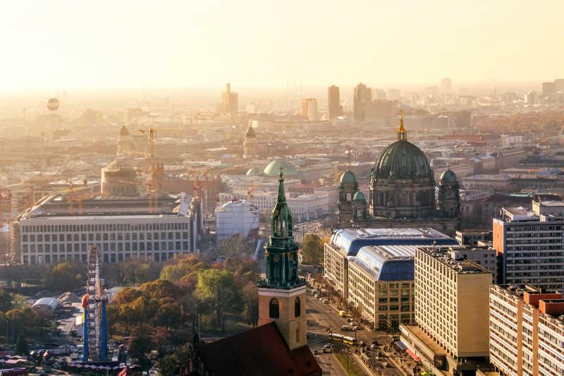 柏林大教堂的日落