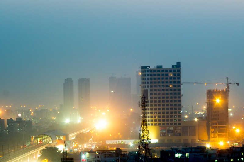 在印度诺伊达黄昏建筑