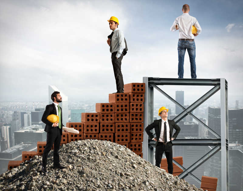 不同角度观察的建筑设计师