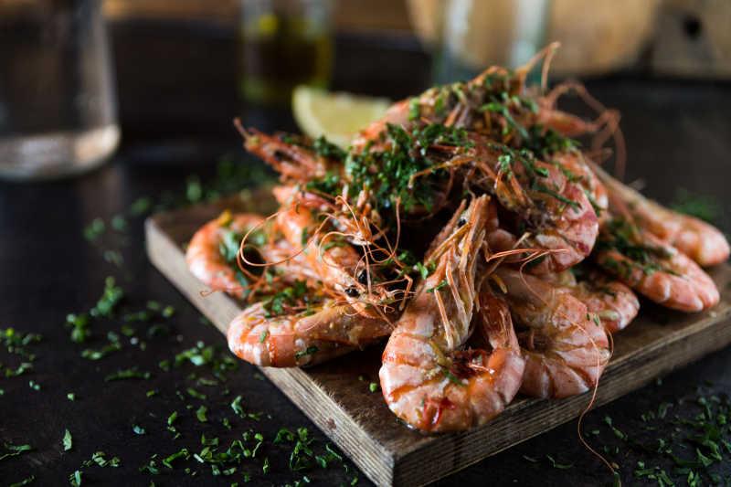 美味的蔬菜的大虾