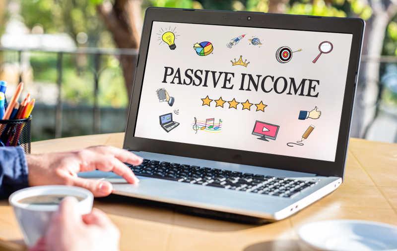 被动收入概念在笔记本电脑上