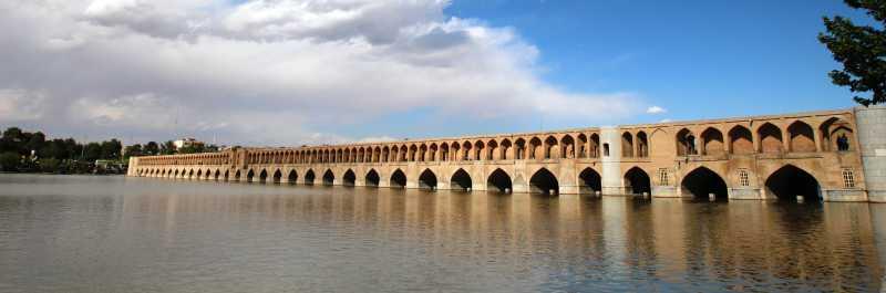 伊朗鸠拱桥风景