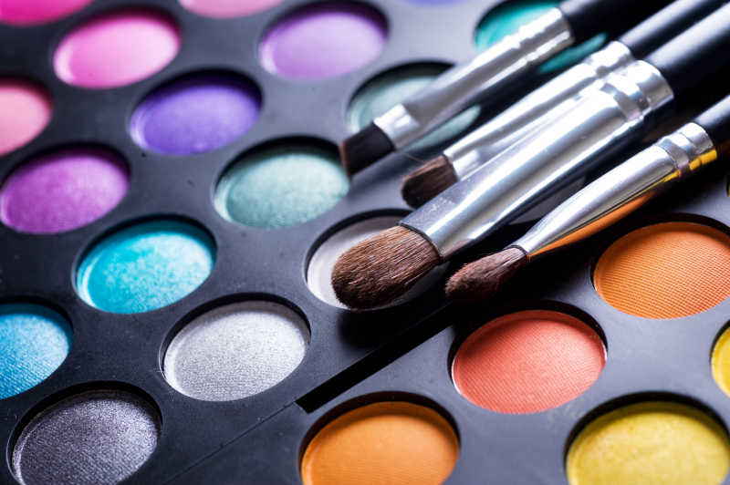 化妆刷和眼影工具