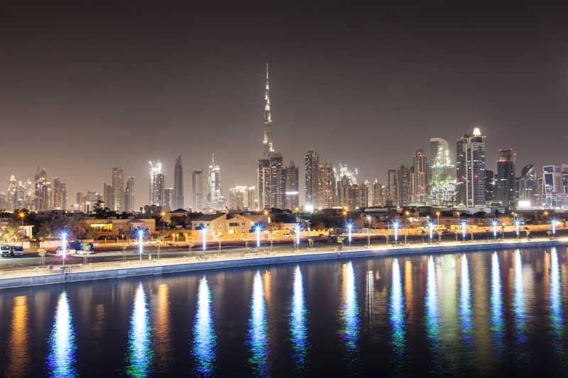 迪拜市中心的天际线