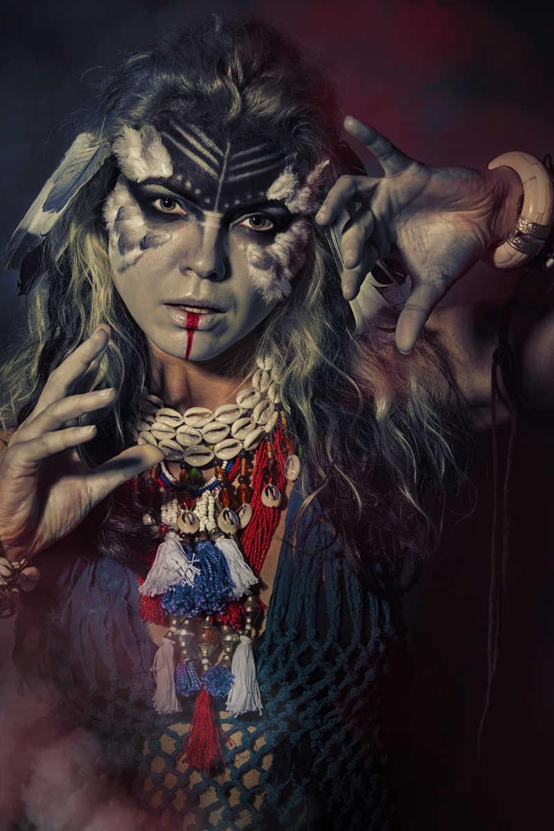 萨满土著的女人