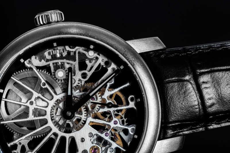 手表里可见的机制发条
