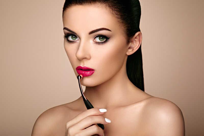 美女的脸与化妆细节