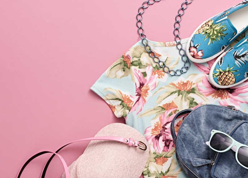 时尚设计女人衣服的配件