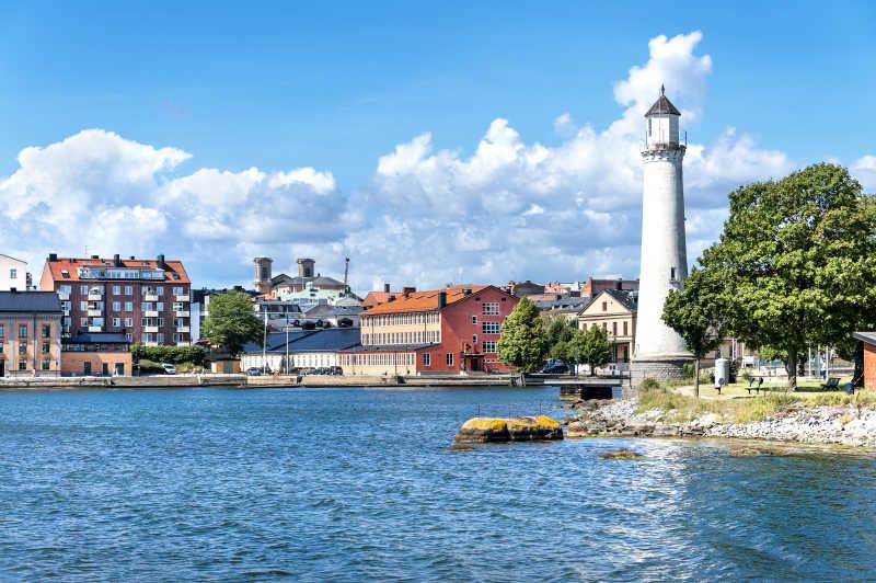 瑞典卡尔斯克鲁纳老灯塔和建筑物