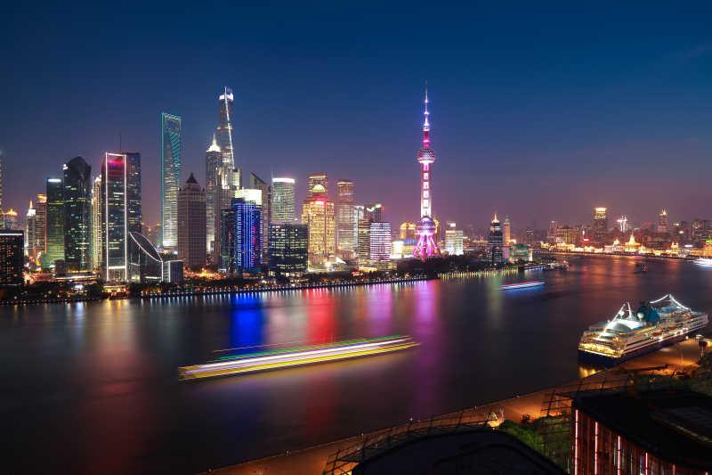 上海夜景天际线的航拍