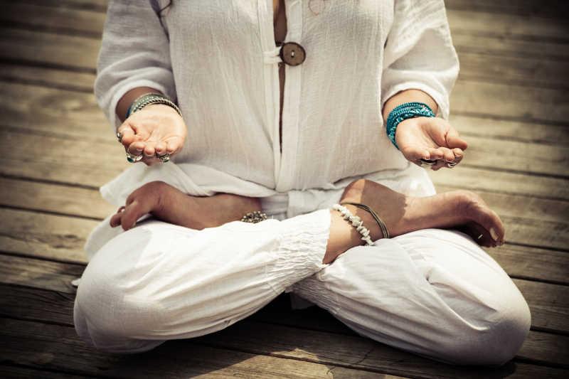 瑜伽姿势特写