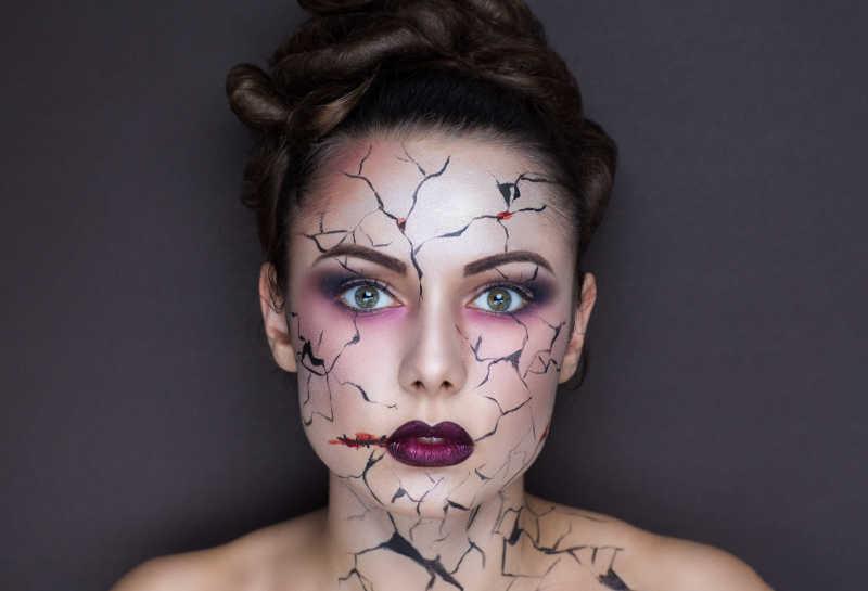 女性创意彩妆特写