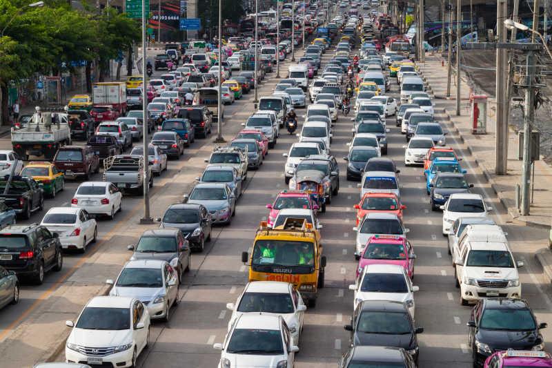 交通高峰时段的泰国曼谷