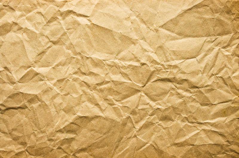 棕色的邹巴巴的纸片