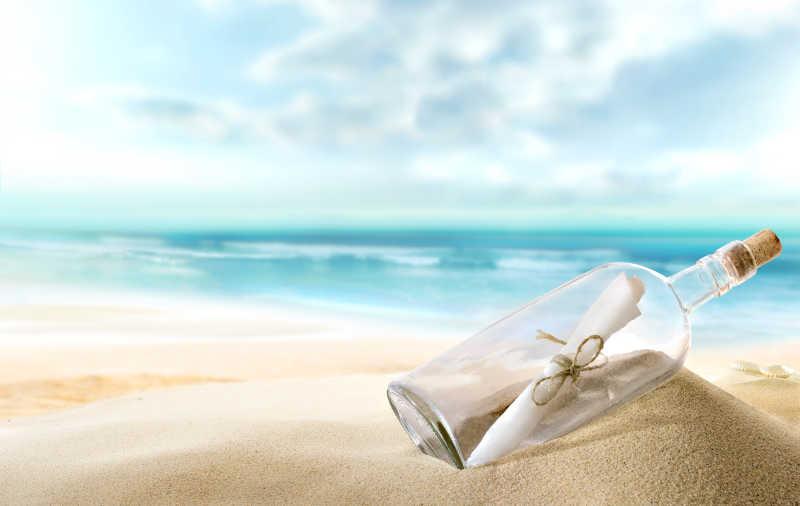 沙滩上的漂流瓶