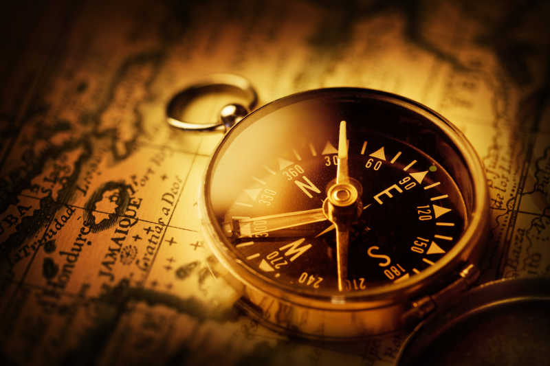 古老的指南针地图