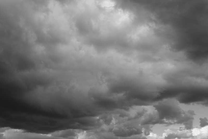 暴风雨天空