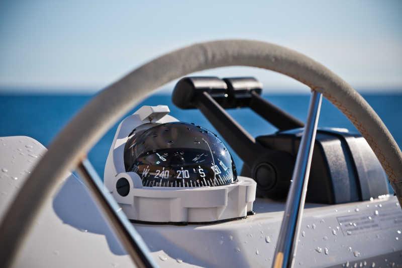 帆船操纵轮及执行器特写