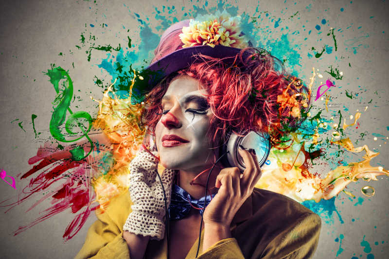 小丑在听音乐