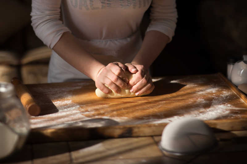 Baker手揉面团