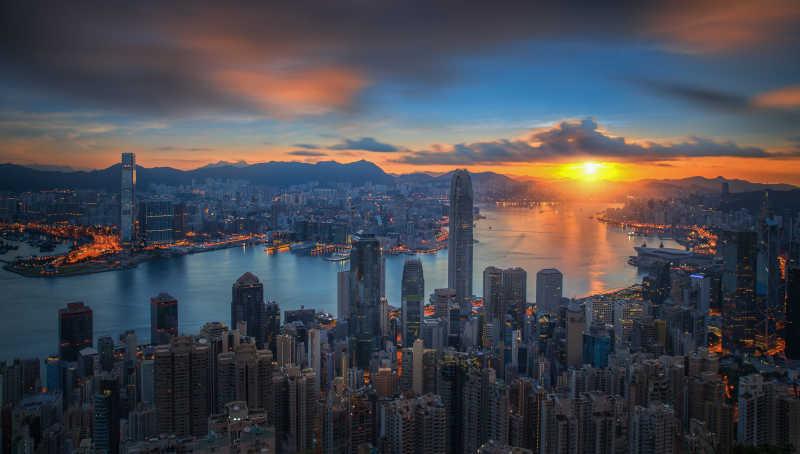 香港维多利亚山顶上看日出