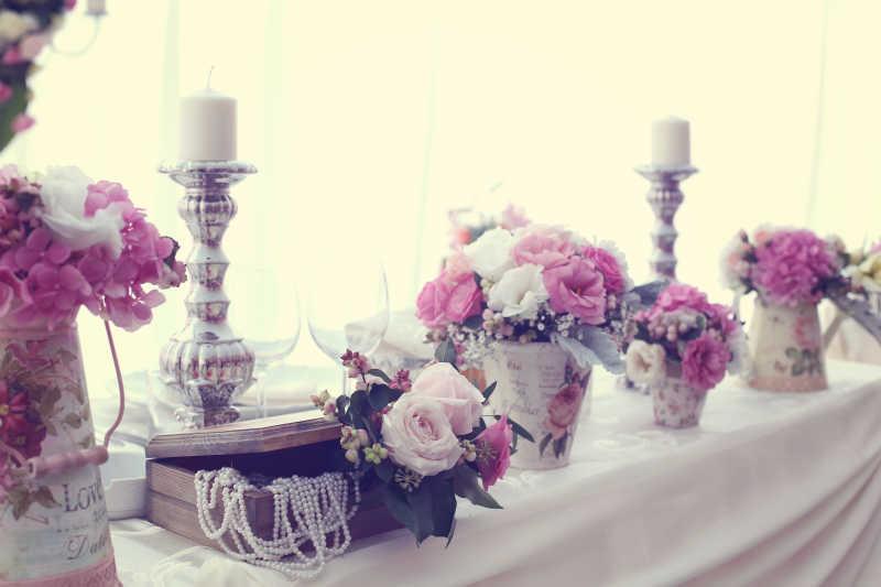 婚礼上的花束装饰