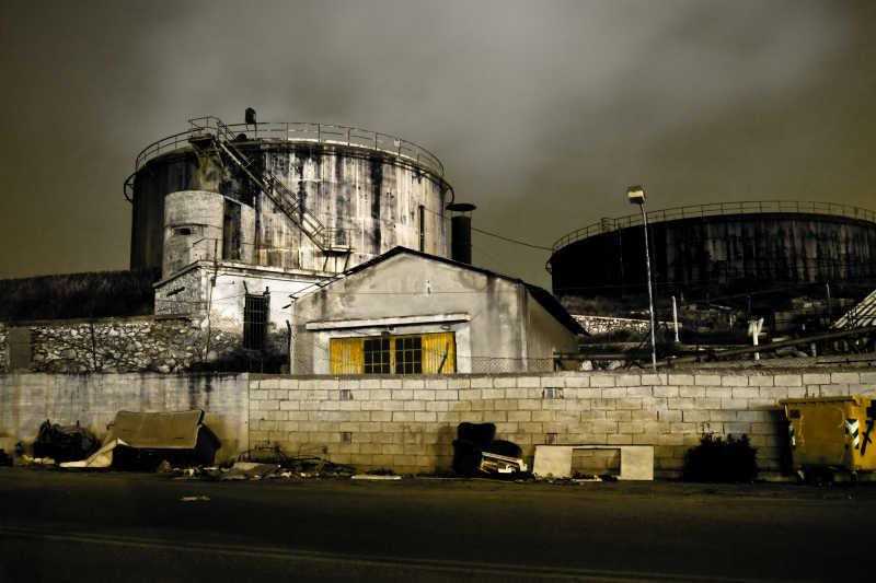 被废弃的工厂