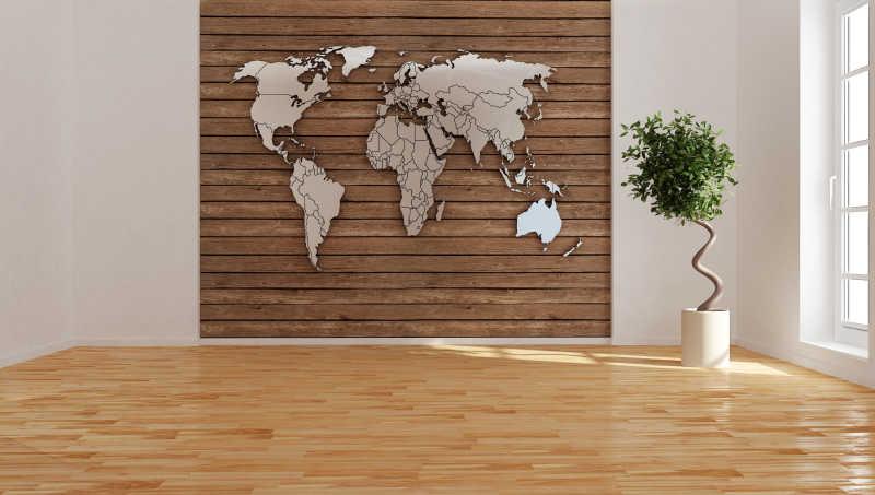 带有世界地图的空房间