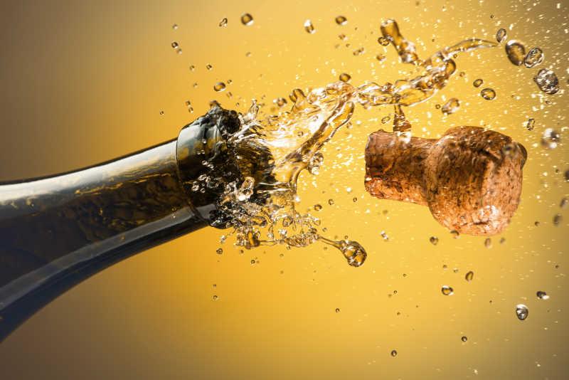 开香槟酒的特写镜头
