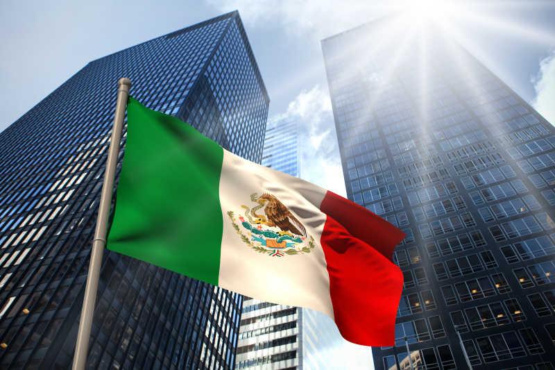 现代商业大楼下的墨西哥国旗