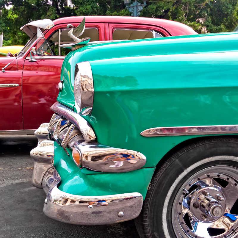 绿色复古老爷车