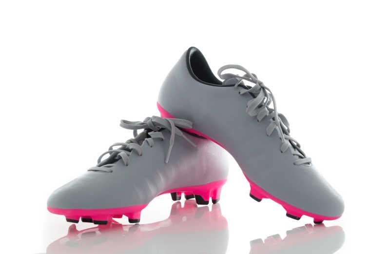 灰色足球鞋