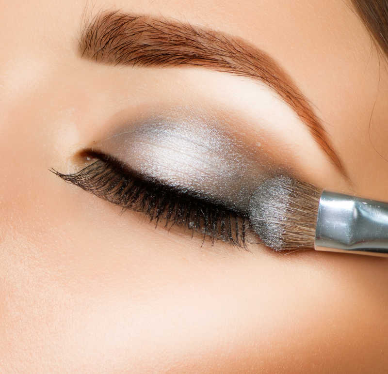 美女眼影的化妆